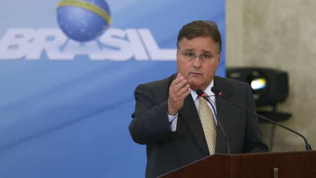 Geddel Vieira Lima passa senha errada de celular para a PF