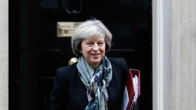 Brexit não encerrará 'relação especial' com Irlanda, diz Theresa May