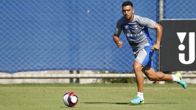 Cruzeiro apresenta lista para troca por Edilson; nomes não agradam
