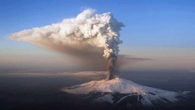 Vulcão nas Ilhas Canárias pode entrar em erupção a qualquer momento