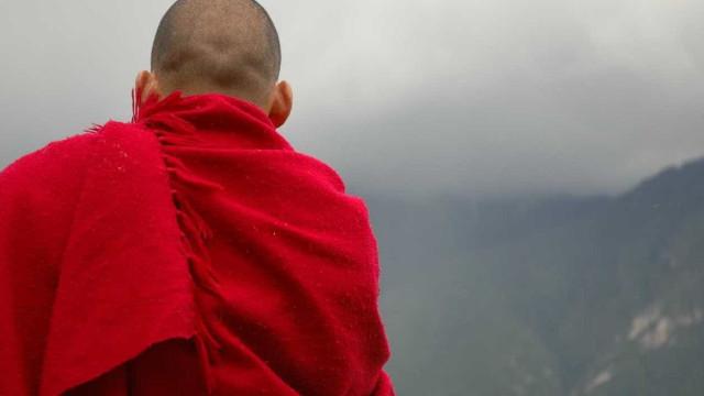 Homens invadem templo e matam dois monges budistas no sul da Tailândia