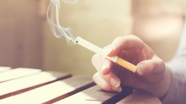 Fumantes podem ter até 4 vezes mais complicações em cirurgias