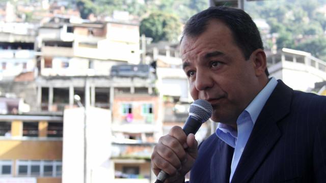 Cabral surge com dinheiro acima do permitido e é punido na prisão