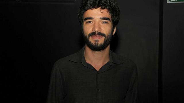Globo confirma saída de Caio Blat de 'Deus Salve o Rei'; entenda