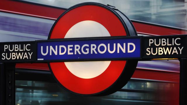 Tiroteio deixa três feridos perto de estação de metrô em Londres