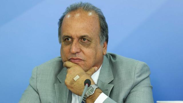 Pezão diz desconhecer invasões de residências na Rocinha