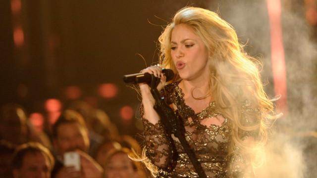Problema de saúde faz Shakira cancelar turnê até 2018