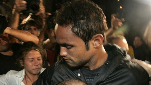 Goleiro Bruno pode ter direito à regressão de pena retardado