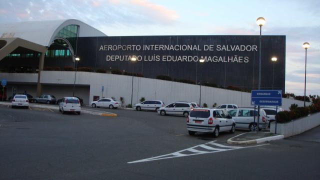 Blecaute no aeroporto de Salvador causa atrasos em voos nesta segunda