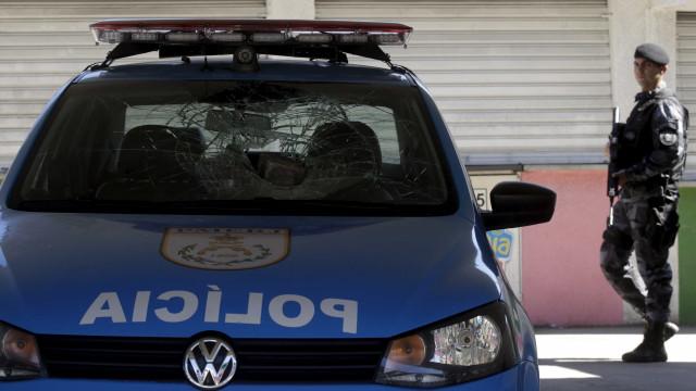 Policial militar aborda criminoso e é baleado na Baixada Fluminense