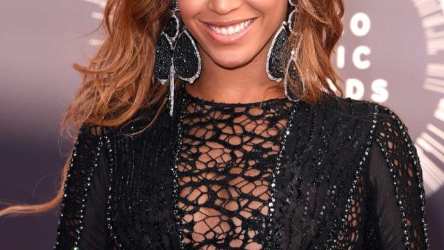 Cabeleireiro revela como é o verdadeiro cabelo de Beyoncé