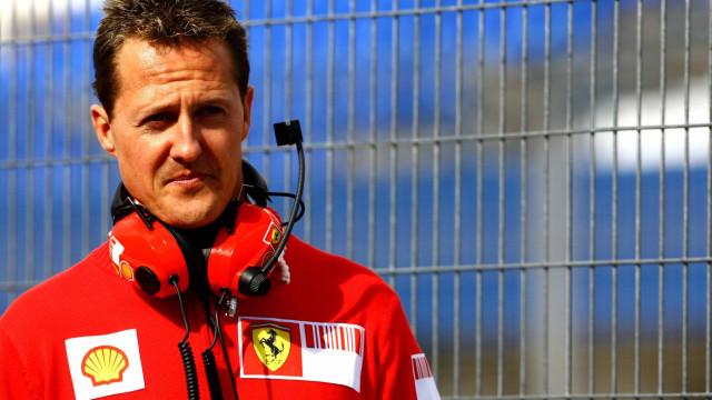 Família de Schumacher vai transferi-lo para mansão na Espanha