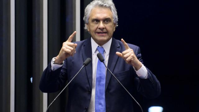 Caiado firma aliança com apresentador Kajuru em Goiás