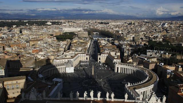 Turista alemã é estuprada e amarrada em poste em Roma