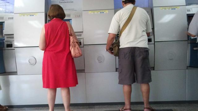 Cerca de 40% dos brasileiros usaram FGTS para pagar dívidas