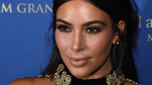 Kim Kardashian se diverte com os filhos na Disney