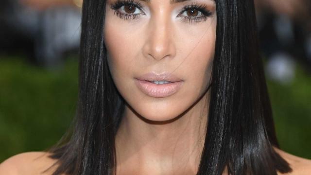 Confira 5 truques de Kim Kardashian para ter o cabelo muito brilhante
