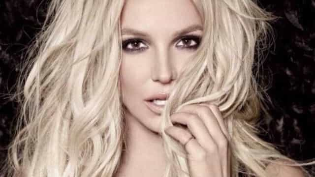Britney Spears posta foto sem maquiagem e fãs deliram