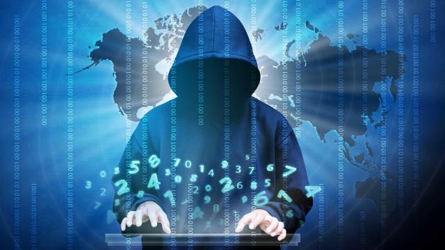 Ucrânia denuncia 'maciço' ciberataque da Rússia