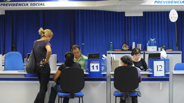 Benefícios do INSS acima do salário mínimo terão reajuste de 3,43%
