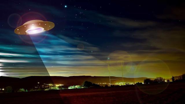 Encerrado oficialmente em 2012, programa de OVNIs continua, diz jornal