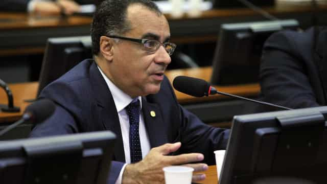 Deputado do PMDB passa mal na Papuda e é internado