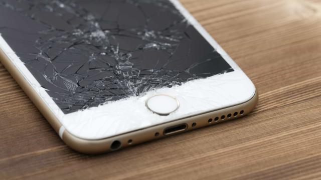Grupo descobre material de tela de celular que se repara sozinho