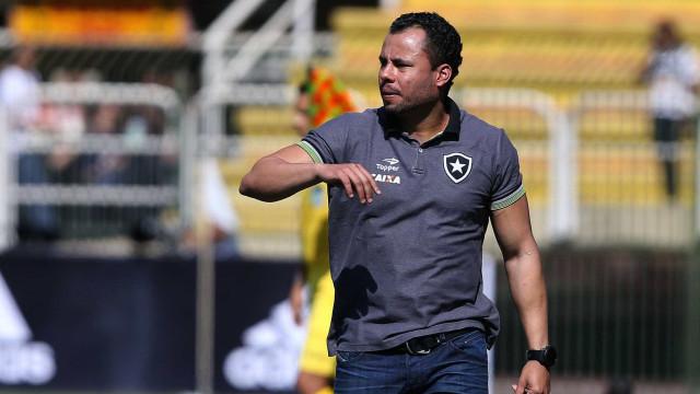 Santos acerta salário com Jair Ventura e técnico deve deixar o Botafogo