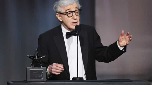 Woody Allen diz que acusações envolvendo Harvey Weinstein são 'tristes'