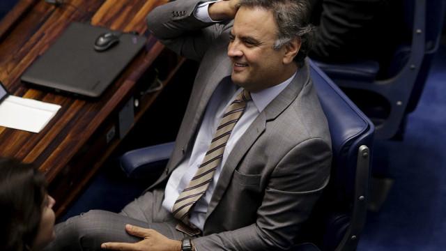 Senado derruba afastamento de Aécio Neves