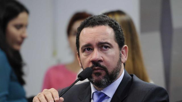 Quanto mais a reforma demorar, mais dura será correção, diz Dyogo