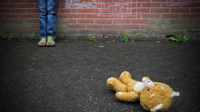 Adolescente é estuprada pelo padrasto por oito anos e suspeito é preso