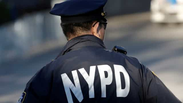 Quatro pessoas são encontradas mortas dentro de casa em Nova York