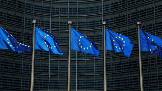 UE responderá a tarifas de Trump se não houver isenção permanente