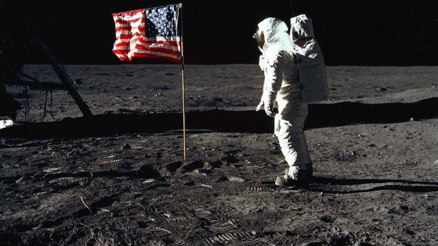 Poeira lunar será leiloada; estimativa é que  valor ultrapasse US$ 2 mi