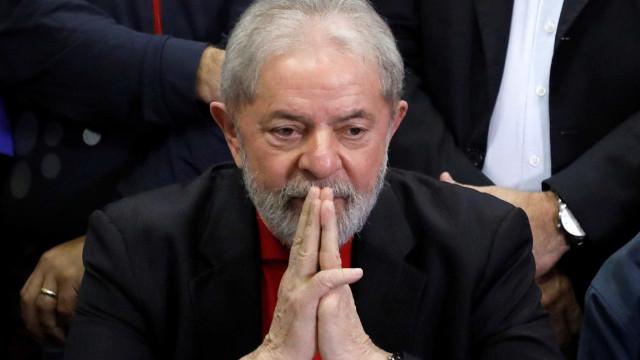 Lula se diz feliz com pesquisa e afirma querer sua liberdade