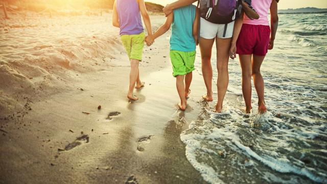 7 treinos que você pode fazer para ficar em forma, mesmo nas férias