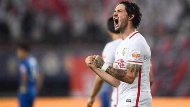'Estou trabalhando para voltar à seleção', diz Pato