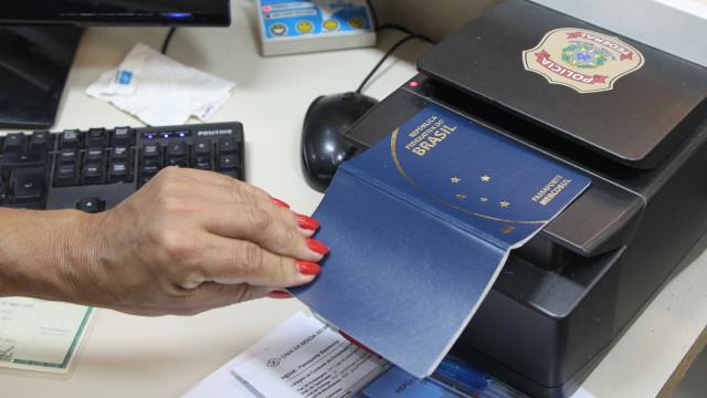 Verba da PF destinada à emissão de passaporte deve durar até setembro