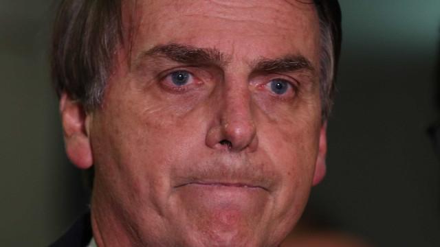 """Bolsonaro é expulso de universidade em MG sob gritos de """"fascista"""""""