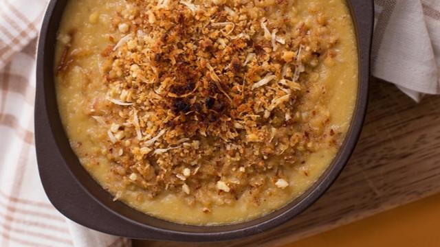 Sopa de Grão de Bico e Cebola é opção diferente para o inverno; aprenda