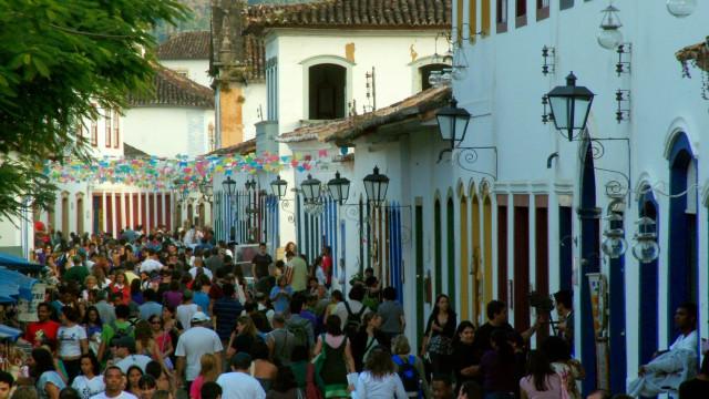 Vitrine de Paraty, Flip pode atrair até 20 mil pessoas para a cidade