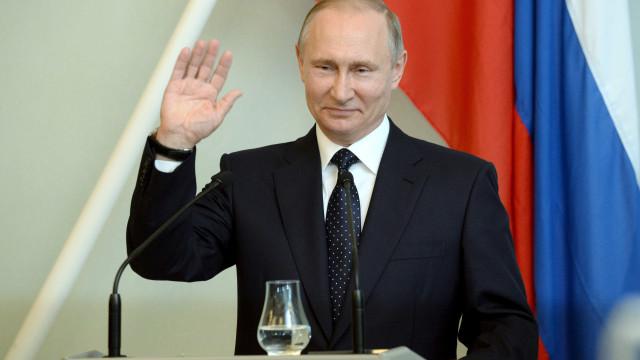 Rússia prepara primeira usina nuclear flutuante do mundo