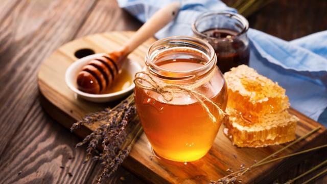 Por que a validade do mel é (quase) infinita?