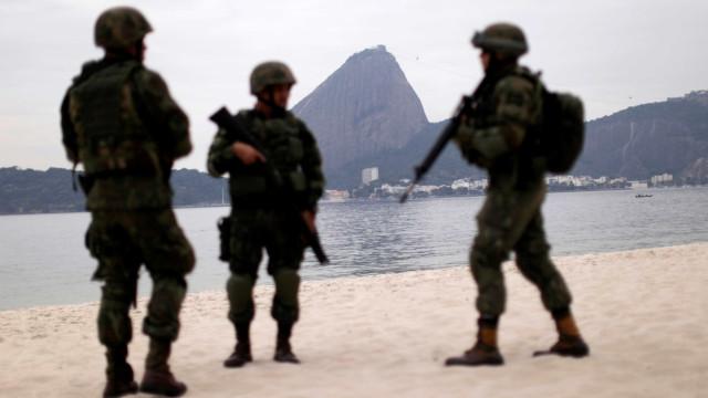 Sob pressão, Exército faz ações e patrulha pontos turísticos do Rio