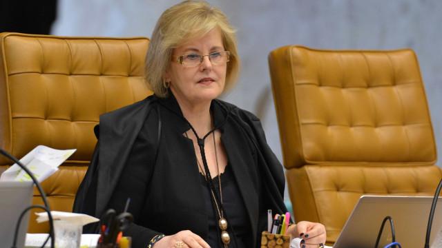 TSE convoca equipe de Haddad e Bolsonaro para reunião contra fake news