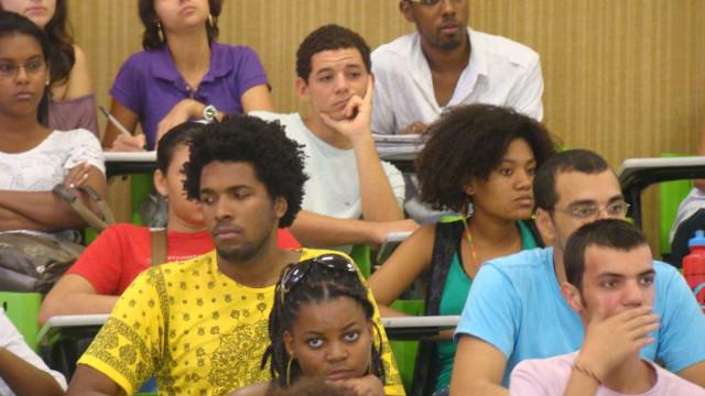 Metade dos calouros de 2010 não concluiu o curso em que se matriculou
