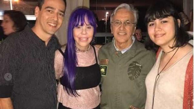 Caetano Veloso reúne amigos famosos  em festa de aniversário