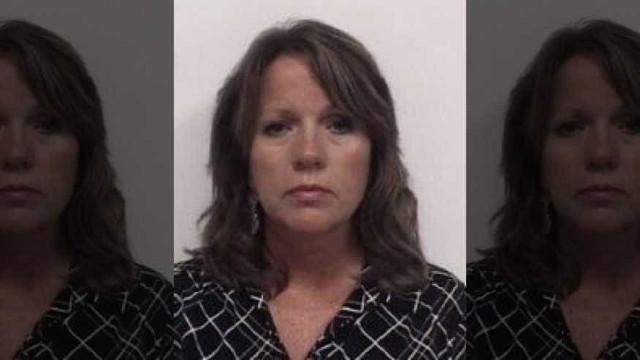 Professora é presa após sexo com aluno de 14 anos nos EUA