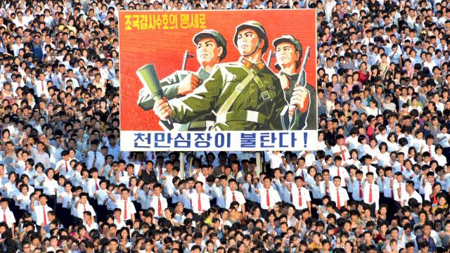 Trump mantém retórica e diz para Coreia 'ficar atenta'